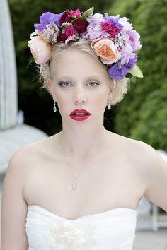 květinová čelenka pro odvážnou nevěstu..