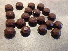 Fyldte chokolader med skildpadde fyld ( mums )