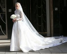 Nicky Hilton's Valentino dress! http://www.stylemepretty.com/collection/2169/   Photography: Getty Images