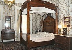 Rippavilla Plantation Photos | The grand four-poster bed at Rippavilla Plantation, a contrast to the ...