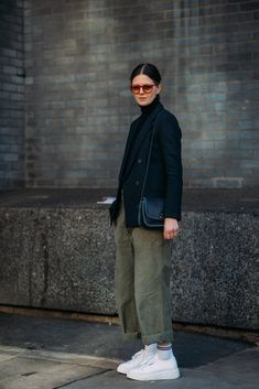 """Forget About the Shows — London Fashion Week Was All About the Street Style - Day 1 """"Day 1 You are in the right place about trends qu - Best Street Style, Street Style Outfits, Mode Outfits, Street Style Women, Casual Outfits, Fashion Outfits, Woman Outfits, Blazer Outfits, Fashion Boots"""