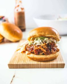 Weekly meal plan recipes: BBQ Chicken Sandwiches from Inquiring Chef are easy and such crowd pleasers! #dinnerrecipes #feedingkids #familydinnerideas #chickenrecipe