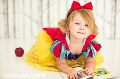 Snow White I'll cutie pie for Halloween and Christmas too  click on pic to see more juicy bows