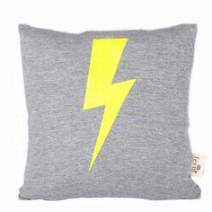 Lightning kudde, neon i gruppen Textil / Plädar & Prydnadskuddar / Prydnadskuddar hos RUM21.se (112946)