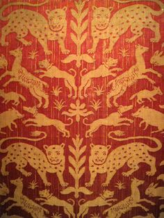 century, Spain Lampassette decorated with panthers, dogs, rabbits and wild boar Silk (Textile), embroidery (textiles) half century Nederland