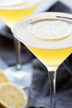 A deliciously sweet lemon martini made with limoncello, vodka, sweet and sour mix, and a dash of lemon. Dress it up with lemon-flavored sugar along the rim! Fancy Drinks, Wine Drinks, Cocktail Drinks, Yummy Drinks, Cocktails, Alcoholic Beverages, Lemon Cello Recipe, Quick Recipes, Cooking Recipes