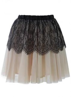 Jupon en tulle : Off- White Tulle Skirt with Black Lace Overlay