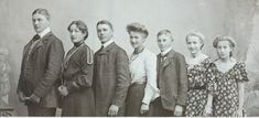 Old Pictures, Family Pictures, Old Photos, Couple Photos, Edwardian Era, Victorian, We Are Family, Otter, Siblings