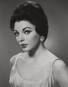 Old Hollywood Glamour, Vintage Hollywood, Hollywood Stars, Dame Joan Collins, Actor Secundario, Ava Gardner, Ms Gs, Vintage Beauty, Body Types