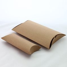 Custom Pillow Boxes made from cardboard, Kraft paper and clear packaging Gift Box Packaging, Jewelry Packaging, Box Supplier, The Beauty Department, Wedding Jewellery Gifts, Pillow Box, Display Boxes, Kraft Paper, Custom Pillows