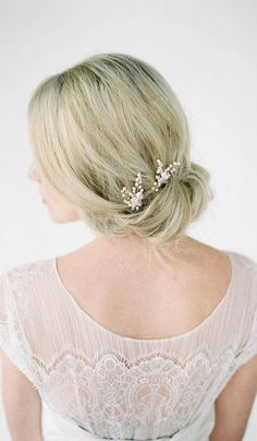LAURA Bridal Hair Pieces #Wedding #Hair
