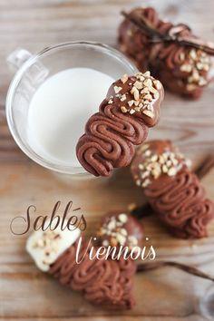 MIEL & RICOTTA: Sablés Viennois (translate)