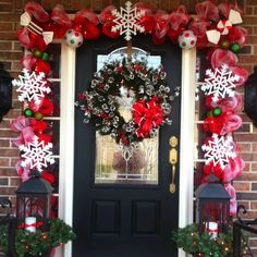 How to Achieve the Perfect Front Door Decor this ChristmasBetterDecoratingBible