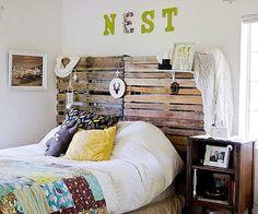 Tête de lit réalisée avec 2 palettes