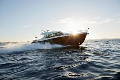 Chris-Craft  ·  Command Attention. // Commander 42  http://www.chriscraft.com/models/commander-series/commander-42/