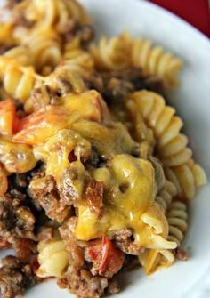 5-Star Cheeseburger Casserole ~ Not only is it quick and easy, but it's also low in fat and calories. How many cheeseburgers have you eaten that are low in fat and calories? Not many, I'm sure! This delicious dinner gives you all of the taste of an all-American hamburger without all of the fat