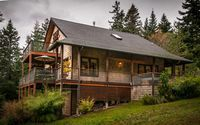 Heart House - A quiet place, minutes from adventure . Heart House is nestled close to Eastsound, the heart of Orcas Island. It sits in a private setting sur...