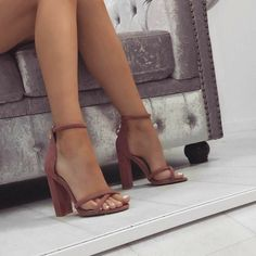 It is possible to find stiletto heels in pumps, sling-backs and boots. Nude high heels are extremely fashionable and appear perfect with black dresses. Pumps, Stilettos, Crazy Shoes, Me Too Shoes, Heeled Boots, Shoe Boots, Shoes Heels Boots, Simmi Shoes, Cute Heels