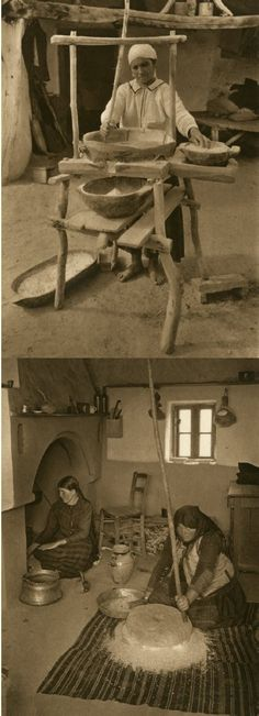 Mirifica Romanie in Alb Si Negru - 1933 Costume Castle, Old Photos, Vintage Photos, Romania Food, Little Paris, Bucharest, World Cultures, Vintage Cards, Folk Art