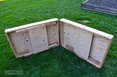 Outdoor_workshop_wooden_folding_table