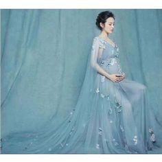 Elegant Maternity Dresses, Maternity Dresses For Photoshoot, Maternity Gowns, Maternity Fashion, Pregnancy Dress, Romantic Dresses, Pregnancy Clothes, Maternity Clothing, Dresses For Pregnant Women