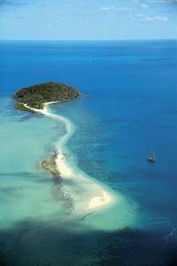 Tallship Sailing and Snorkeling Adventure from the Whitsundays #whitsundays #sailing