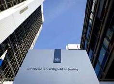 Naamsverandering ministeries kost miljoenen euro's.