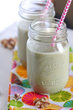 After-workout Shake - this one is full of nuts so high in protein. It's not so sweet so it might be an acquired taste if you're used to a lot of fruit. I like smoothies a bit earthier, though. Summer Drink Recipes, Best Smoothie Recipes, Good Smoothies, Juice Smoothie, Smoothie Drinks, Summer Drinks, Food Trucks, Tortellini, Homemade Protein Shakes