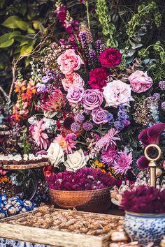 Casamento no Rio de Janeiro: Luiza + Roberto - Constance Zahn | Casamentos Wedding Day, Painting, Rio De Janeiro, Weddings, Pi Day Wedding, Marriage Anniversary, Painting Art, Paintings, Painted Canvas