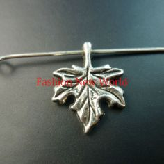 243PCS maple leaf charms plated silver Pendants Fit Jewelry making findings crafts CP0449 Rated 5.0 /5 based on 2 customer reviews  100.0% of buyers enjoyed this product! (2 votes) 2 orders Price: US $15.41 / lot 243 pieces / lot , US $0.07 / piece Shipping: Free ShippingtoJapan via China Post Air Mail Delivery: 15-34 days (ships out within 4 days)c0449.jpg