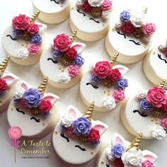 Magical Unicorn inspired chocolate covered oreos and caramel wrapped pretzels in Pinks, Lavender and Gold. Flower mold by Horn and ear mold by Chocolate Covered Treats, Chocolate Dipped Oreos, Chocolate Covered Strawberries, Chocolate Art, Oreo Treats, Oreo Cookies, Oreo Molds, Unicorn Cupcakes, Cookie Designs
