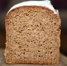 bernd's bakery: Bio-Roggen-Vollkornbrot mit Apfelmus / organic wholemeal rye bread with mashed apples
