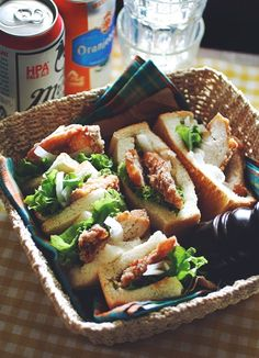 Sandwiches of Chicken Karaage Nagano Style, Flavored with Soy Sauce and Garlic | Higuccini 山賊焼きのサンドイッチ