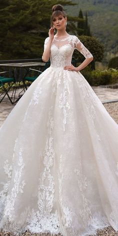 Modern Tulle Jewel Neckline Ball Gown Wedding Dresses With Beadings & Lace Appliques 2nd Wedding Dresses, Wedding Dress Organza, Amazing Wedding Dress, Designer Wedding Dresses, Bridal Dresses, Gown Wedding, Dream Wedding, Elegant Wedding, Boyfriends