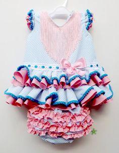 Traje de gitana para bebe popelín blanco lunar turquesa Little Girl Dresses, Little Girls, Girls Dresses, Baby Dresses, Toddler Fashion, Baby Car Seats, Cute Babies, Kids Outfits, Sewing Patterns