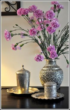 loving this silver vase and all