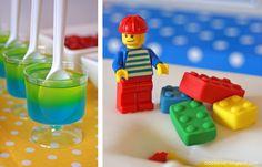 Como postei já uma festa com tema feminino, fiquei devendo uma com tema masculino. E quando vi esta festa de tema de Lego achei super ori...
