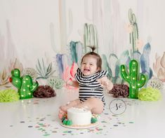 Smash Cake First Birthday, Baby Cake Smash, Baby Girl First Birthday, Fall Birthday, Birthday Ideas, Cactus Photoshoot, Photoshoot Themes, Birthday Photography, Photography Kids