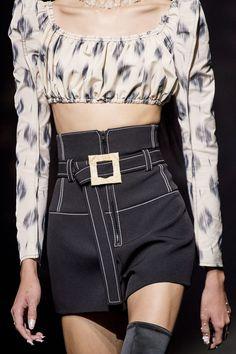 Kenzo Spring 2020 Ready-to-Wear Fashion Show - Vogue Fashion 2020, Runway Fashion, Street Fashion, High Fashion, Fashion Show, Fashion Outfits, Womens Fashion, Men's Outfits, Workwear Fashion