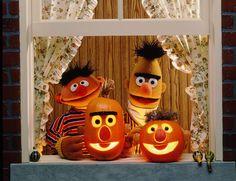 A Bert & Ernie (aka Bernie) Halloween! Sesame Street Muppets, Sesame Street Characters, Fall Halloween, Halloween Crafts, Bert & Ernie, Photo Exhibit, My Childhood Friend, Fraggle Rock, Jim Henson