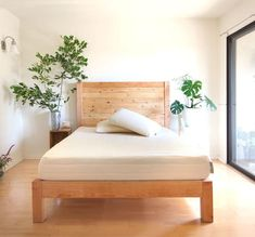 How to build a beautiful DIY bed frame & wood headboard easily. Free DIY bed plan & variations on king, queen & twin size bed, best natural wood finishes, and lots of helpful tips! - A Piece of Rainbow Bed Frame Plans, Bed Frame And Headboard, Diy Bed Frame, Wood Headboard, Bed Frames, Clean Mattress Stains, Mattress Cleaning, Clean Matress, Cool Diy
