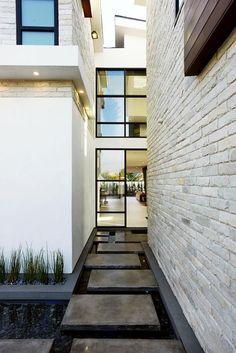 Modern dream home in Los Angeles: 6352 Colgate by studio Amit Apel Design