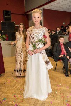 šaty na maturitní ples pro Anetu