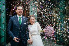 Fotógrafos de Boda Bilbao, Confeti, novios, Bodas Bilbao, Boda, fotografos bizkaia, Bilbao, Bodas San Vicente, Luxury Weddings, Bride & Groom, Alejandro Bergado