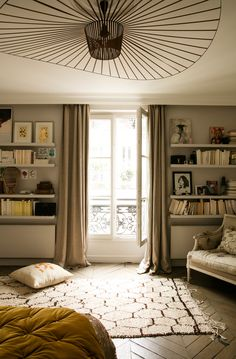 More interior inspiration on www.ringthebelle.com home / interieur / inspiration / paris / Caroline Gayral / Fragments / decoration / #ringthebelle / #storystore