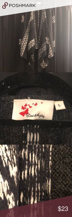 8rod butterflies-Grey + white sweater-Size large Great condition. Cozy and warm sweater, it's great for the winter!  Cheers ❤️ Sweaters Cardigans