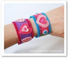 felt bracelet for Abby to make Valentines Bricolage, Easy Valentine Crafts, Homemade Valentines, Holiday Crafts, Valentine Gifts, Valentine Ideas, Printable Valentine, Valentine Wreath, Diy Bracelets How To Make
