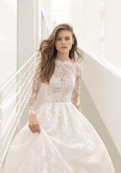 Featured Wedding Dress: Rosa Clará; www.rosaclara.es; Wedding dress idea.