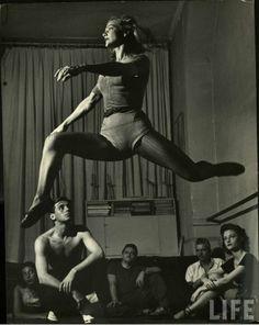 Vintage ballet. I love vintage. And who loves ballet more than me?