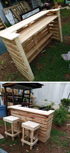Diy Garden Bar, Diy Garden Projects, Diy Pallet Projects, Pallet Ideas, Pallet Bar Plans, Garden Ideas With Pallets, Small Garden Bar Ideas, Outdoor Garden Bar, Party Outdoor